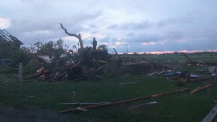 Из-за обрушения дома в Курганской области пострадало три человека