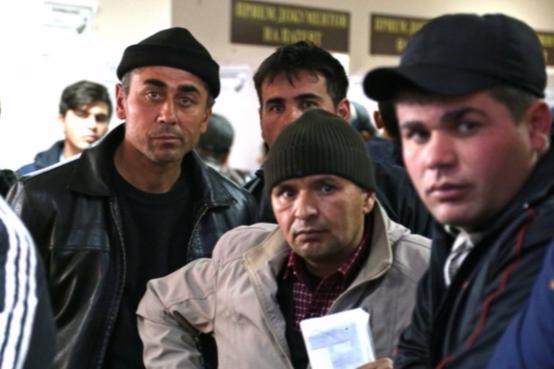 Как в Уфе легализуют мигрантов: гастарбайтеры не довольны обдираловкой за разрешение работать