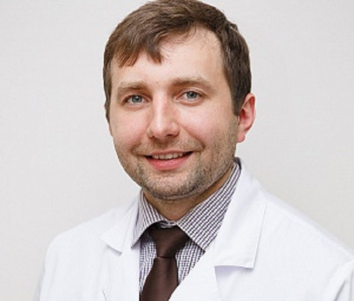 Заместитель главного врача, рефракционный хирург клиники офтальмохирургии «Профессорская Плюс» Александр Богачёв