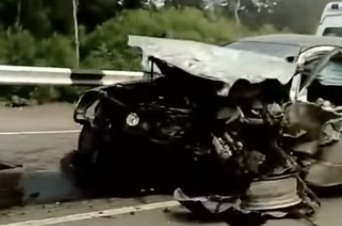 Три автомобиля сошлись в жестком ДТП у Вознесенки