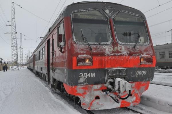 Электричка сбила подростка около 19:00 между вокзалами Пермь I и Пермь II
