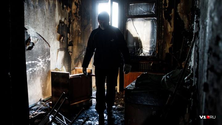 «Причины устанавливаются»: в Котово сгорели мужчина и женщина