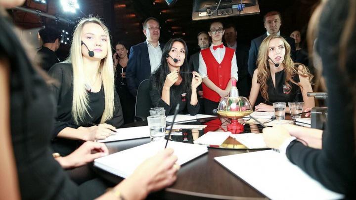 Сборная новосибирских моделей проиграла телезрителям в «Что? Где? Когда?»