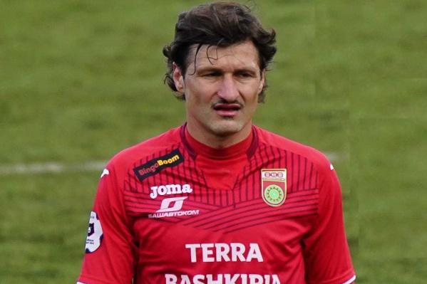 По признанию болельщиков,Салатич — хороший опытный футболист. Внес очень весомый вклад в завоевание шестого места в прошлом сезоне