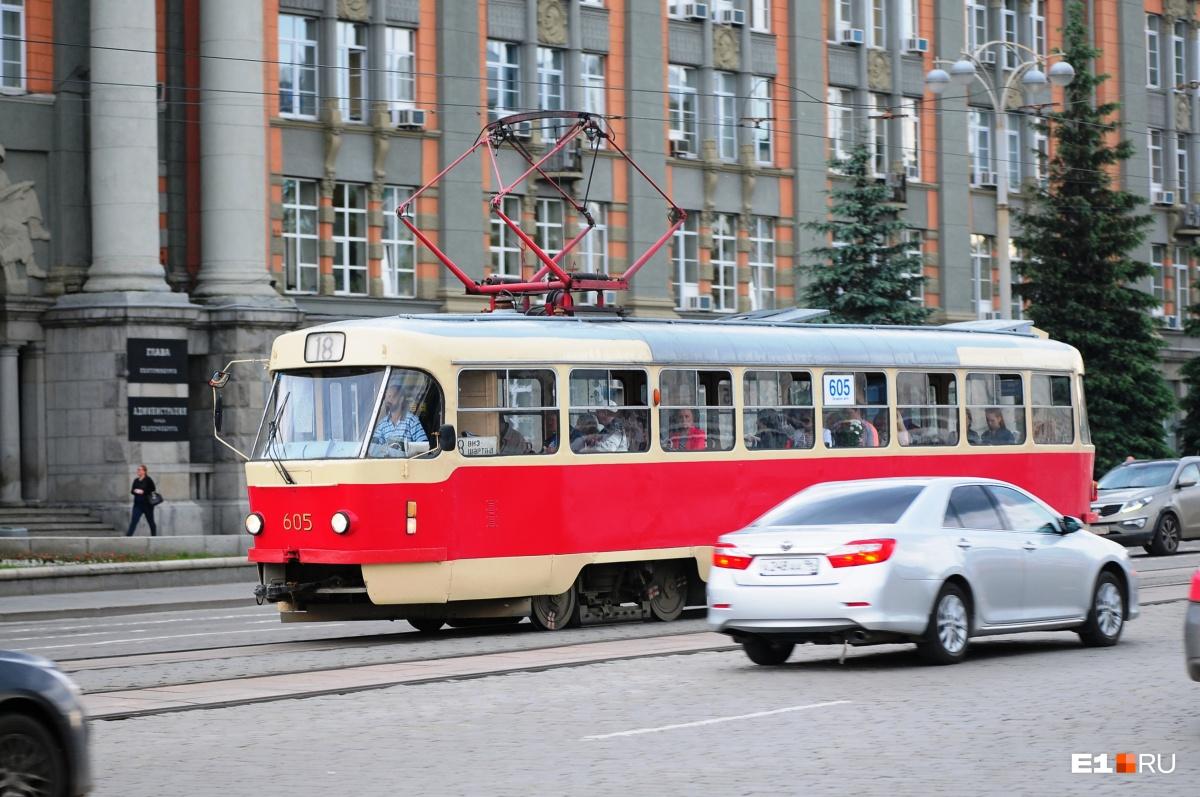 Надо признать, что вагоны Tatra устарели морально и конструктивно. Но многие из них находятся в хорошем рабочем состоянии