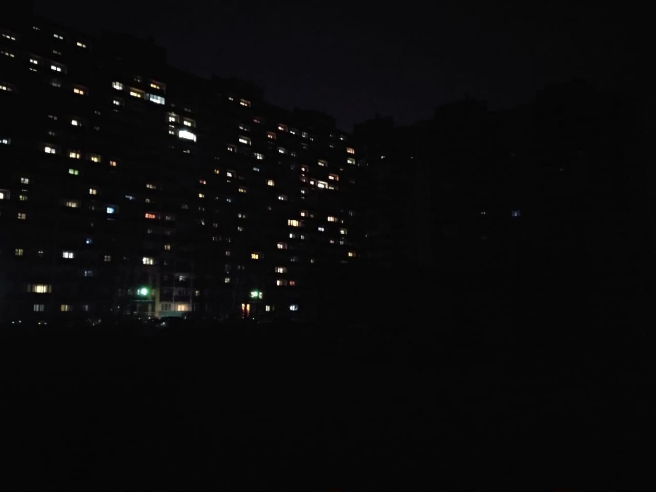 Свет, а с ним вода и тепло появились только в половине дома №1/10 на улице Одоевского