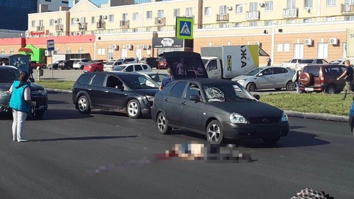 «Асфальт положили, вот они и гоняют»: на злосчастной улице Мира насмерть сбили мужчину