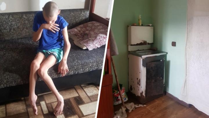 «Мальчик не просто плакал, выл от голода»: отец-одиночка, который растит инвалида, остался без света
