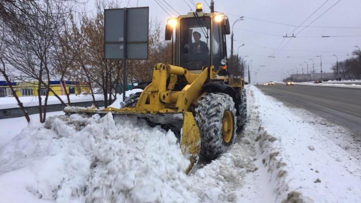 «Ездим между сугробами, как в тоннеле»: в Самарской области выпало рекордное количество снега