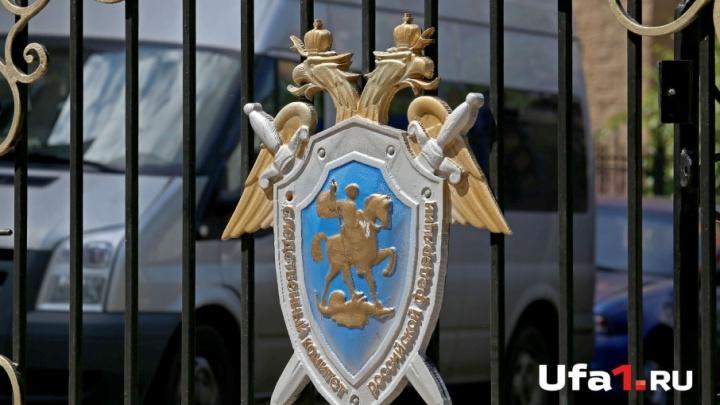 В подъезде уфимского дома обнаружили тело мужчины