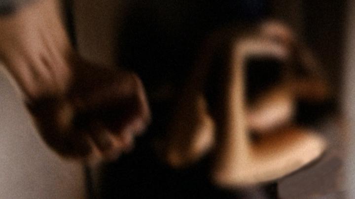 Насиловал и избивал: жителя Прикамья осудили на 23 года за издевательства над дочерьми