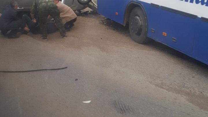 В Башкирии иномарка протаранила пассажирский автобус
