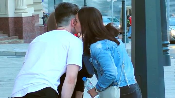 В Москве ярославцы представлялись иностранцами, чтобы выпросить поцелуи столичных красавиц