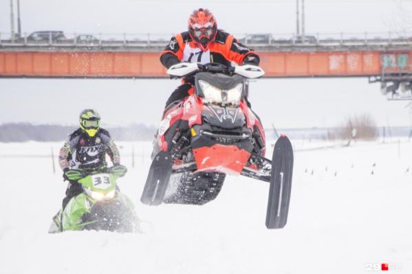 Год назад фестиваль проводился в два дня. Участвовали в основном владельцы снегоходов из Архангельской области<br>