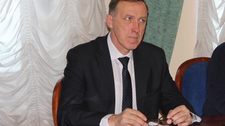 Избил и задушил: Следственный комитет рассказал о депутате, подозреваемом в убийстве таксиста
