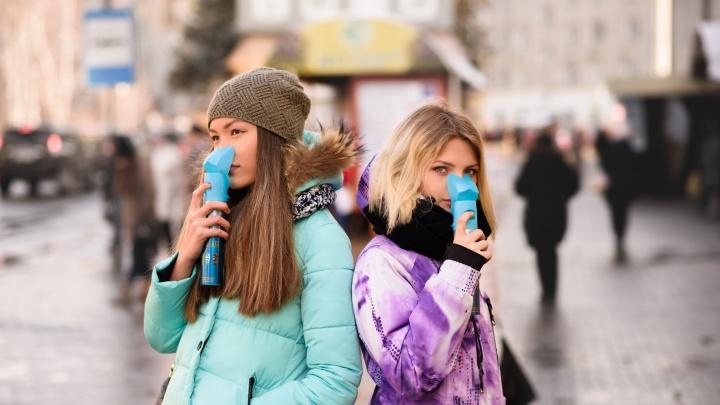 Продавец воздуха: сибиряк закачивает в баллоны пустоту — и продает её в Китай по 350 рублей за штуку
