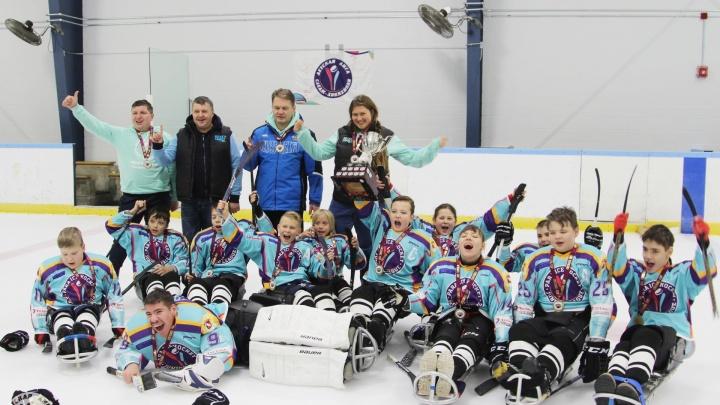 Школьники из Красноярска выиграли международный турнир по паралимпийской версии хоккея в Канаде