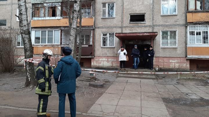 Жители дома, в котором ночью взорвался газ, поблагодарили спасателей за помощь