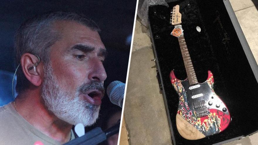 Зампредседателя правления «Роснано» Владимир Аветисян похвалился новыми гитарами