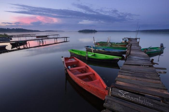 Сергей Гарифуллин собирал фотографии водоемов и лодок с 2016 года