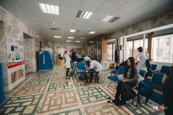 Для спасения пациентов привлекались все силы больницы