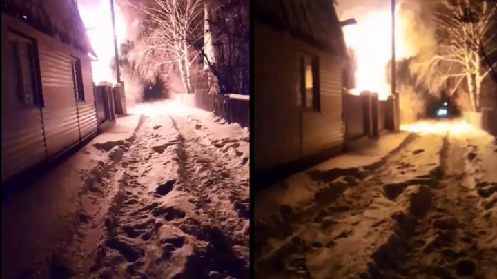 В пожаре, который вспыхнул в СНТ «Ромашка», погибли два человека