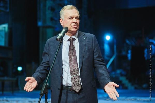 Министр культуры области Игорь Решетников (на фото) сообщил, что на новые инструменты и оборудование выделят 57 миллионов за 5 лет, но встретил критику со стороны руководителя музыкальной школы