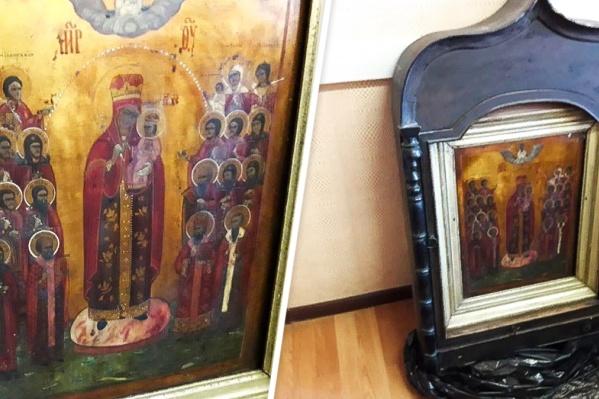 Украденная икона Пресвятой Богородицы «Всех Скорбящих Радость» датируется концом XIX века