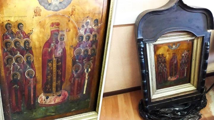 Украденная «Радость»: в Ростовской области соцработник похитила икону стоимостью 200 тысяч рублей