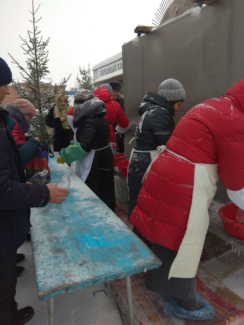 Возле Храма в честь Успения Пресвятой Богородицы в Кировском районе