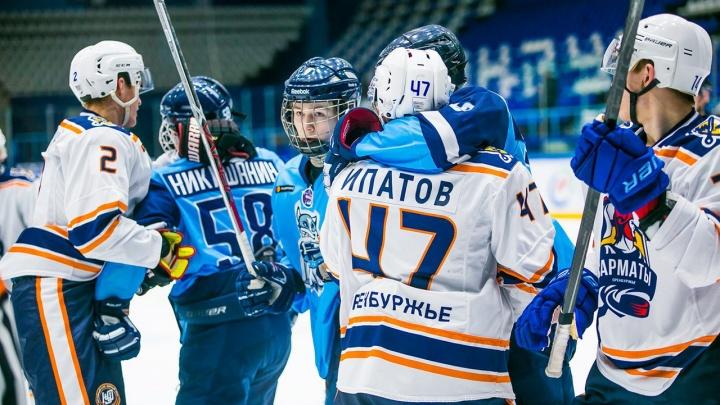 Хоккей: «Сибирские снайперы» одержали победу над «Сарматами»