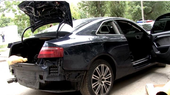 «Он сам под колеса кинулся»: опубликовано видео с задержанным за аварию сыном Сергея Брудного