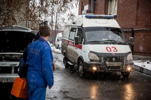 Врачи скорой помощи получили десятки травм на работе