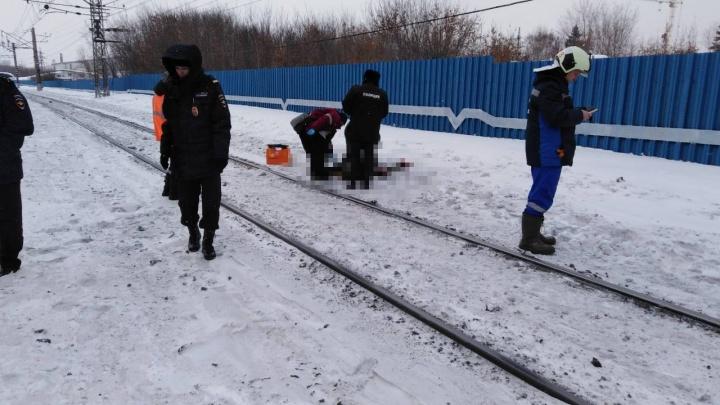 В Самаре у станции Стахановской поезд сбил пожилого мужчину