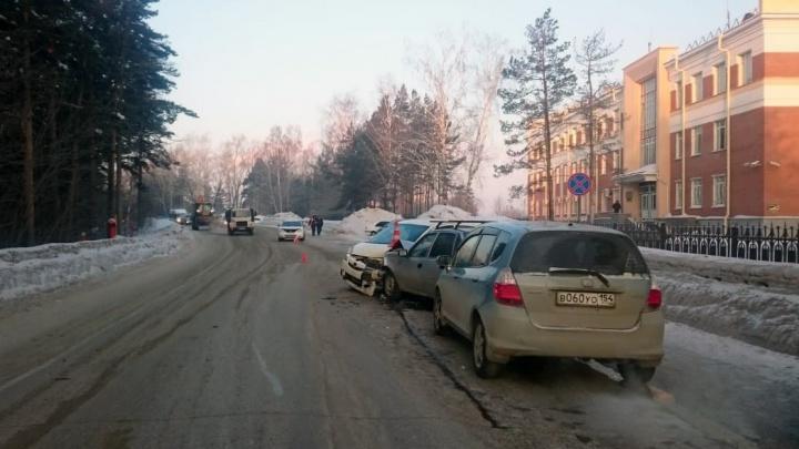 Семь машин разбились на одном участке дороги в Первомайском районе