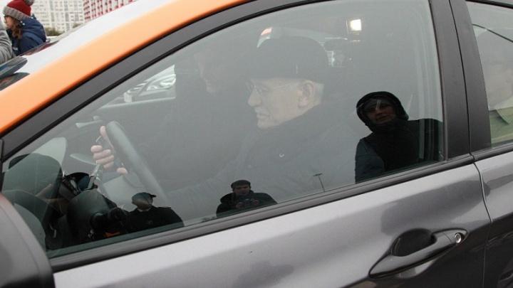 Глава Башкирии поздравил уфимцев с появлением каршеринга