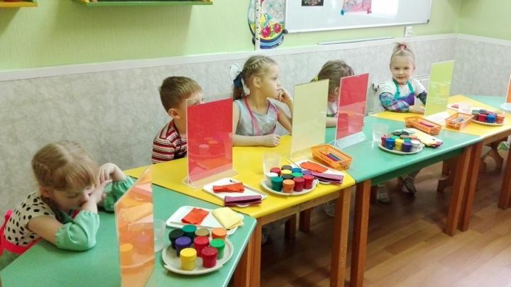 Больше половины красноярских работодателей одобряют идею прихода сотрудников на работу с детьми