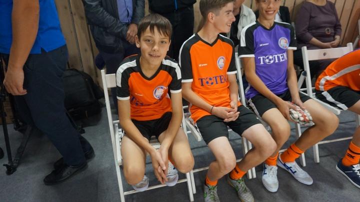 Путин телеграммой поздравил футболистов из красноярского детдома с новым стадионом
