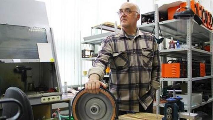 Он придумал «колесо»: российский инженер разработал новый тип двигателя для гибридных автомобилей