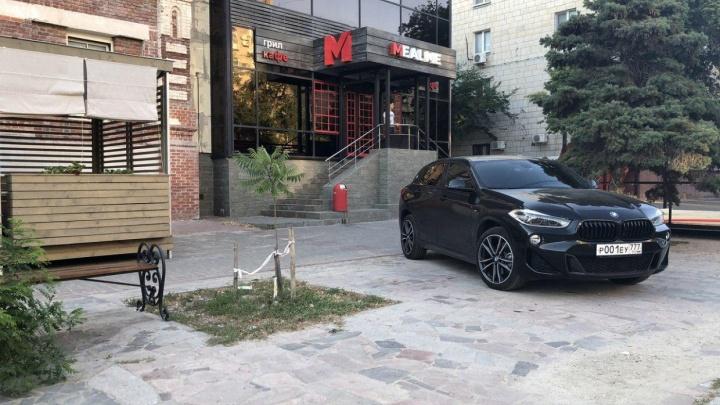 «Красивые номера не помогли»: юрист из Екатеринбурга наказал волгоградского автохама