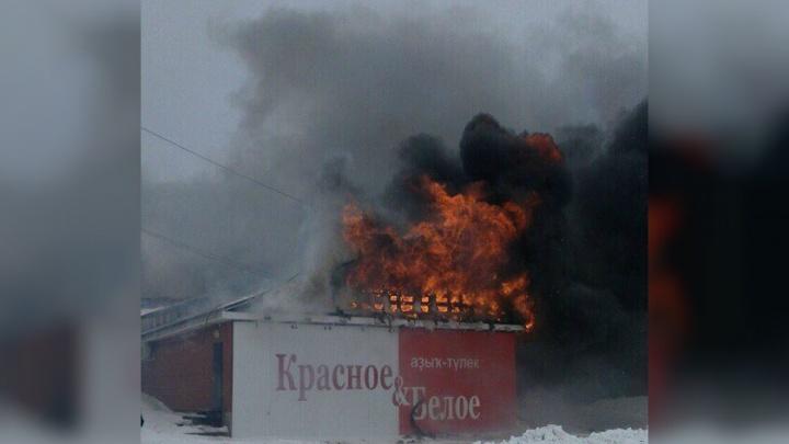 Магазин в башкирском селе тушили 29 пожарных