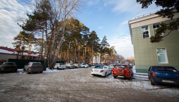 «Будет белое пятно»: проектировщики объяснили, почему больничный корпус построят в челябинском бору