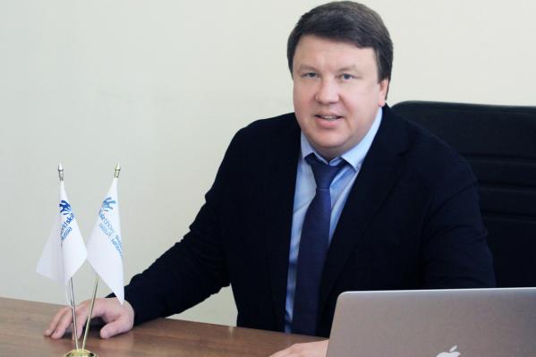 первый проректор Международного Института Дизайна и Сервиса Максим Усынин