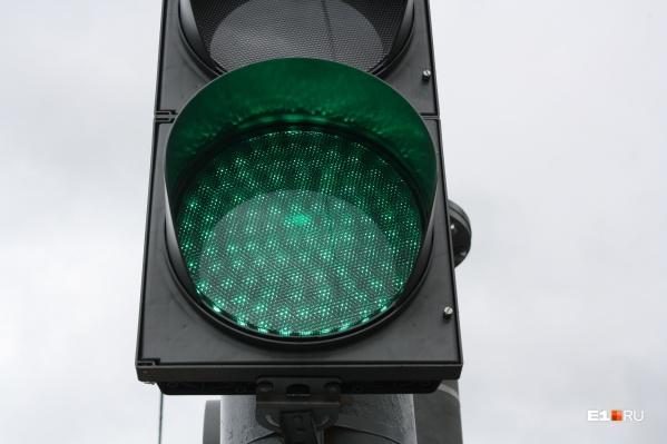 Когда троллейбус или трамвай будет приближаться к перекресткам, им автоматически будет включаться зеленый сигнал