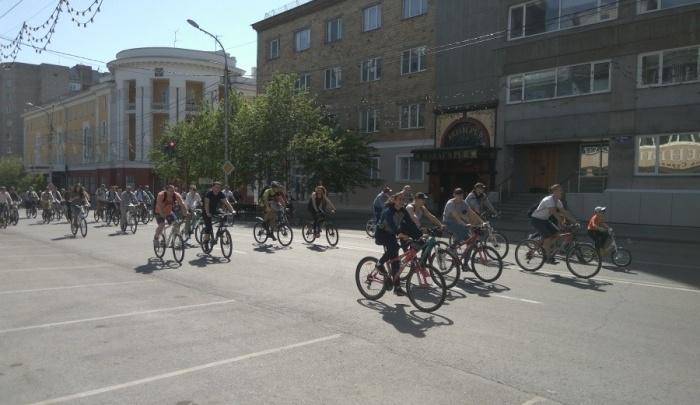 Центральные улицы перекрыли до обеда ради велосипедистов