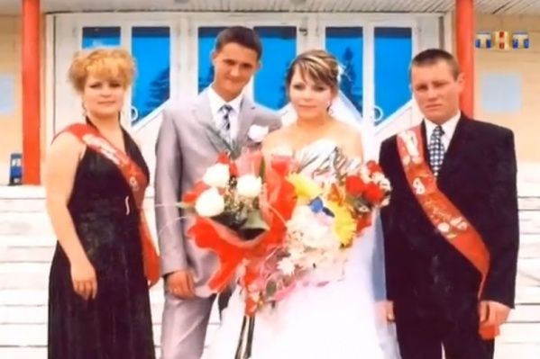Две парней погибли в аварии, а их жены остались вдовами