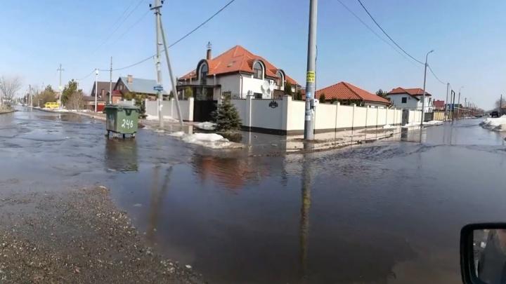 Паводок начался: в Самарской области вода добралась до жилых домов