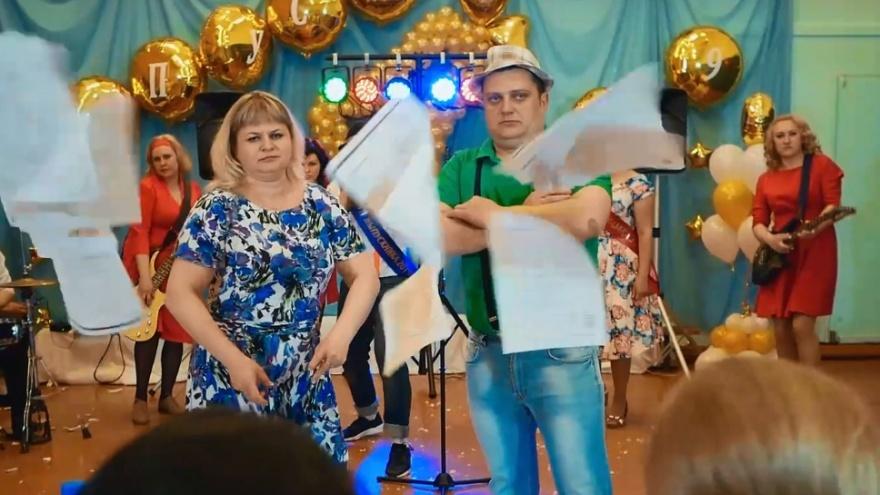 «Будет дико, очень дико»: родители выпускников из Лесосибирска перепели «Ленинград»