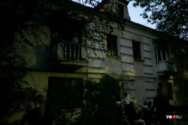 Ночью из дома эвакуировали всех жильцов