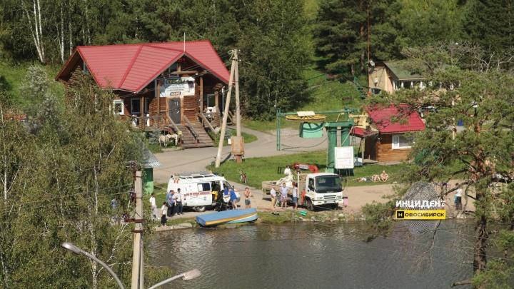 В озере парка в Кольцово утонул мужчина